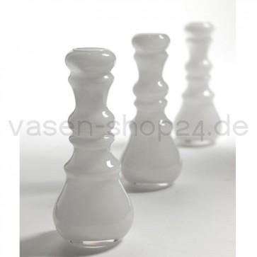 kleine-vasen-fuer-eine-blume