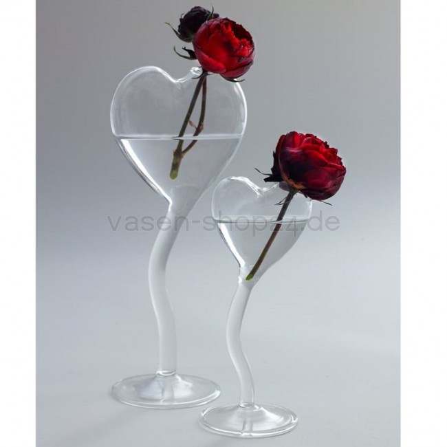 serax vasen herz auf fuss valentine h 20 cm. Black Bedroom Furniture Sets. Home Design Ideas