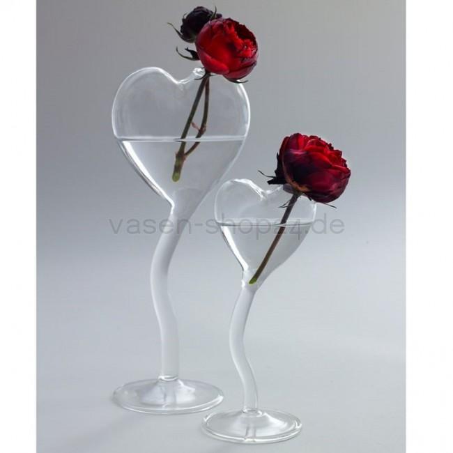 serax vase herz auf fuss valentine h 27 cm. Black Bedroom Furniture Sets. Home Design Ideas